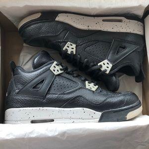 Shoes - Air Jordan Oreo 4